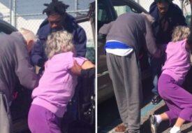 Tre män omringar det gamla paret: Då inser polisen vad som händer