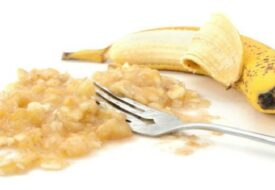 Mosa en banan och blanda med dessa 2 ingredienser! Du kommer aldrig hosta igen denna vinter!