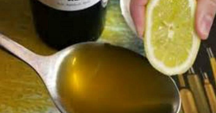 Pressa en citron med 1 msk olivolja och du kommer vara tacksam att du sett det här i resten av ditt liv!