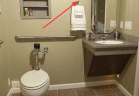Hittar du denna krok på toaletten – då ska du ringa polisen omedelbart!