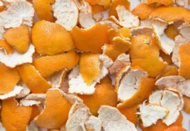 Du kommer aldrig mer att slänga clementinskal efter att du sett DETTA!
