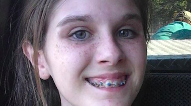 13-åringen tog en selfie på fisketuren – mamman fick panik över vad hon såg i bakgrunden!