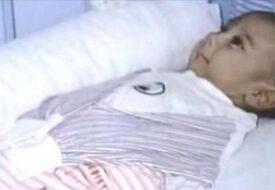Pojken föddes utan armar och ben. Mamman ville därför inte veta av honom, men se honom idag!