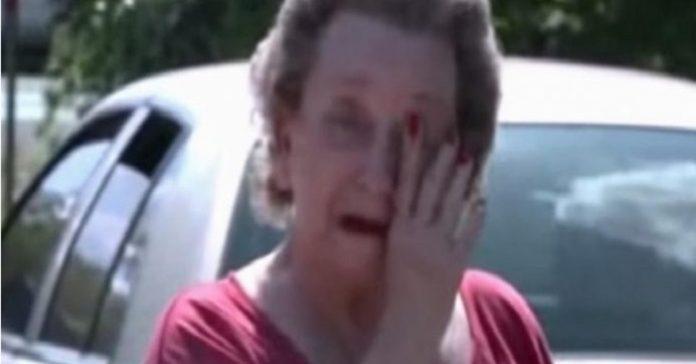 4 pojkar smög in i den gamla damens trädgård. När hon får tag på dem, börjar hon att gråta!