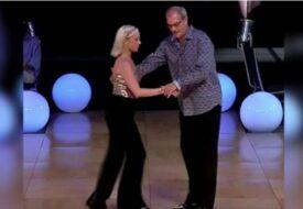 Publiken tycker att han är för gammal att dansa. Men se när han börjar!