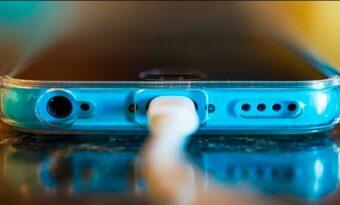 Vi har laddat våra mobiler FEL hela våra liv! Detta är RÄTT sätt!