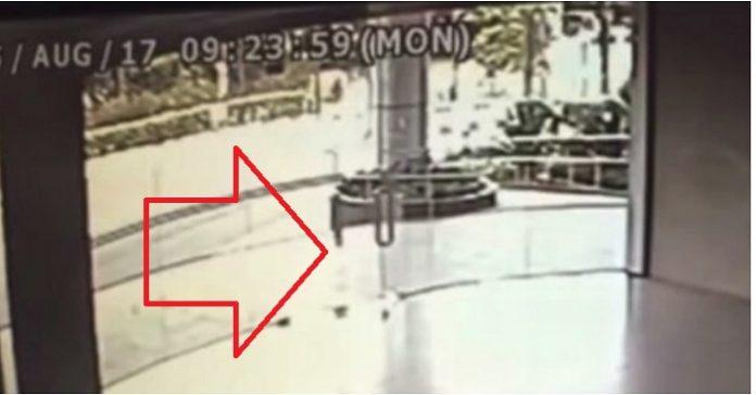 Ingen visste vem som krossade dörren till polisen tittade på övervakningsfilmerna och såg den HEMSKA sanningen!